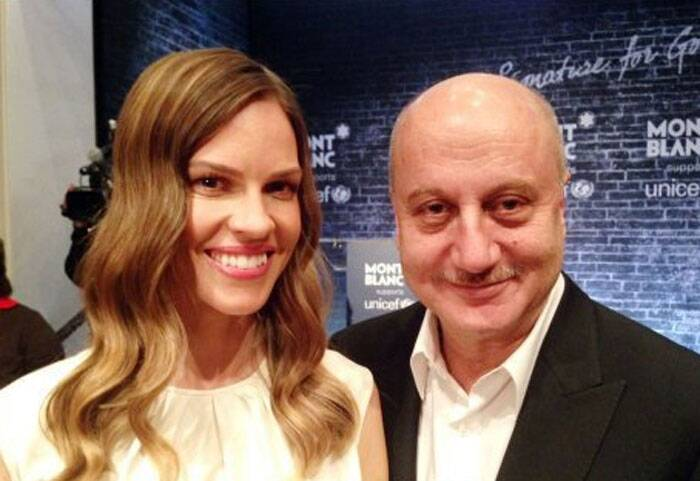 While at Oscars, Anupam Kher didn't miss a chance to click a snap with actress Hillary Swank. (Photo: Twitter)