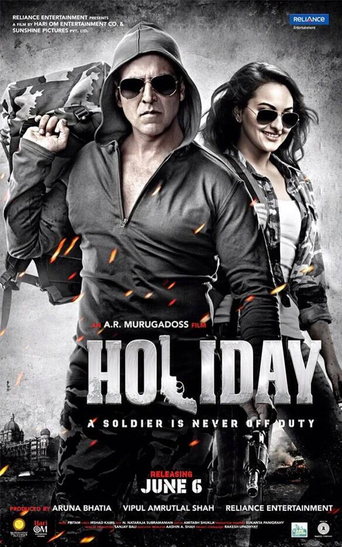 First look: Sensuous Sonakshi Sinha, duty-bound Akshay Kumar in 'Holiday'