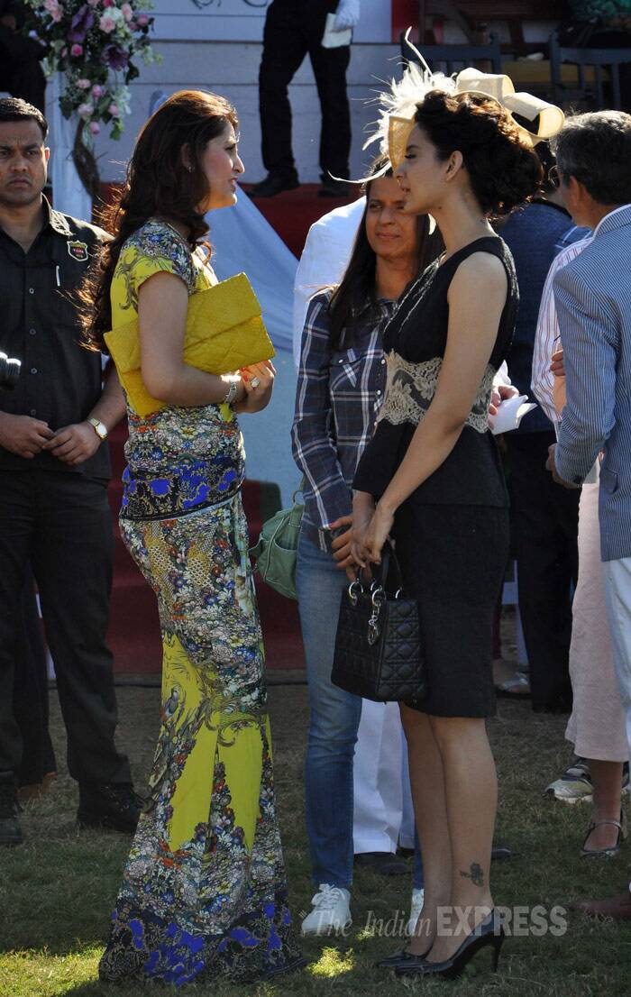 Girls will be girls - Kangana Ranaut chats with a friend. (Photo: Varinder Chawla)