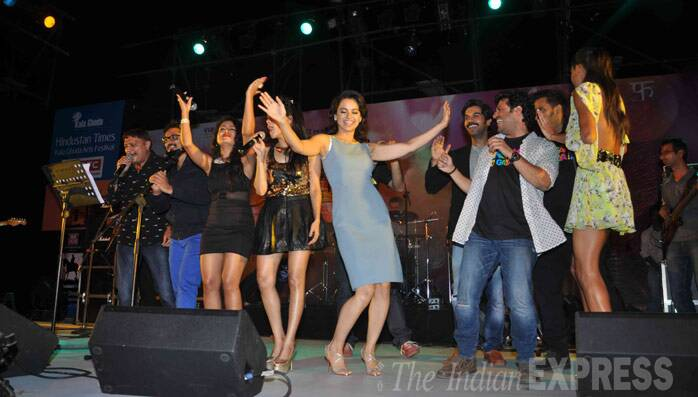 Kangana Ranaut has a blast as she shakes a leg on stage. (Photo: Varinder Chawla)