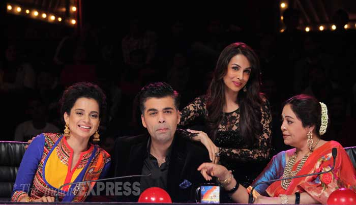 Actress Kangana Ranaut dropped by the sets of reality show, 'India's Got Talent' to promote her soon-to-release flick, 'Queen'. The actress also met celebrity judges Karan Johar, Kirron Kher and Malaika Arora Khan on the show. (Photo: Varinder Chawla)