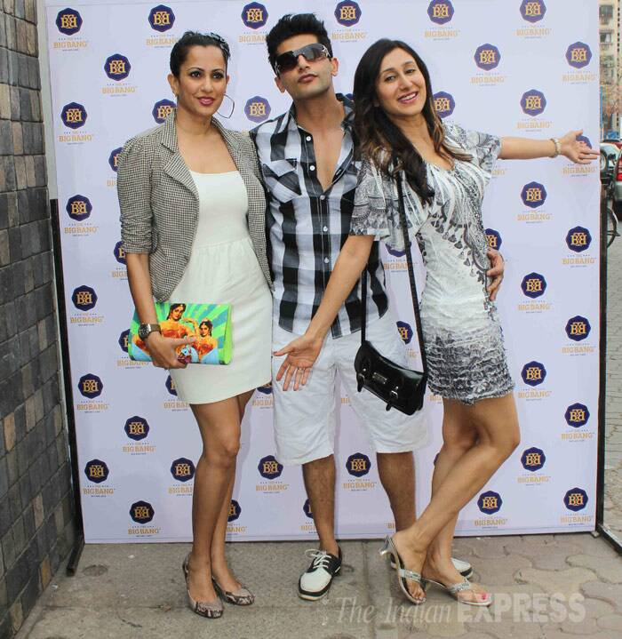 Karanvir Bohra, who is making a comeback on the small scree soon, was accompanied by his radio jockey wife Teejay Sidhu and a friend. (Photo: Varinder Chawla)