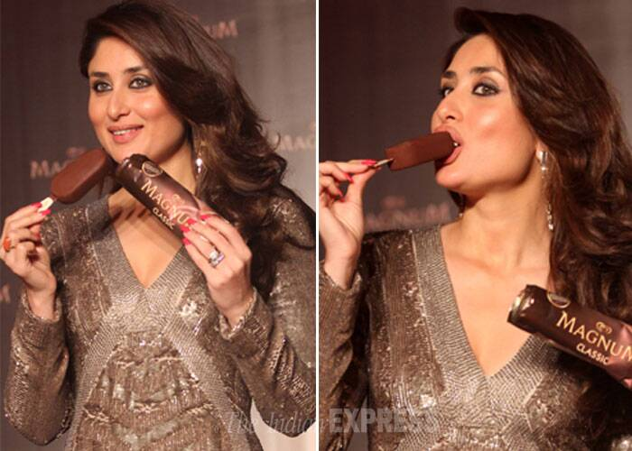 Kareena is thoroughly enjoying slurping on the yummy chocolate ice cream. (Photo: Varinder Chawla)