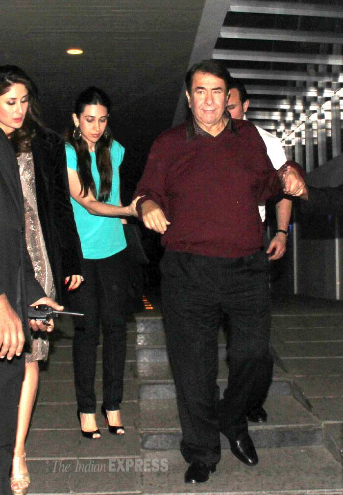 Later in the evening, Kareena went out for a family outing along with dad Randhir Kapoor, husband Saif Ali Khan and sister Karisma Kapoor. (Photo: Varinder Chawla)