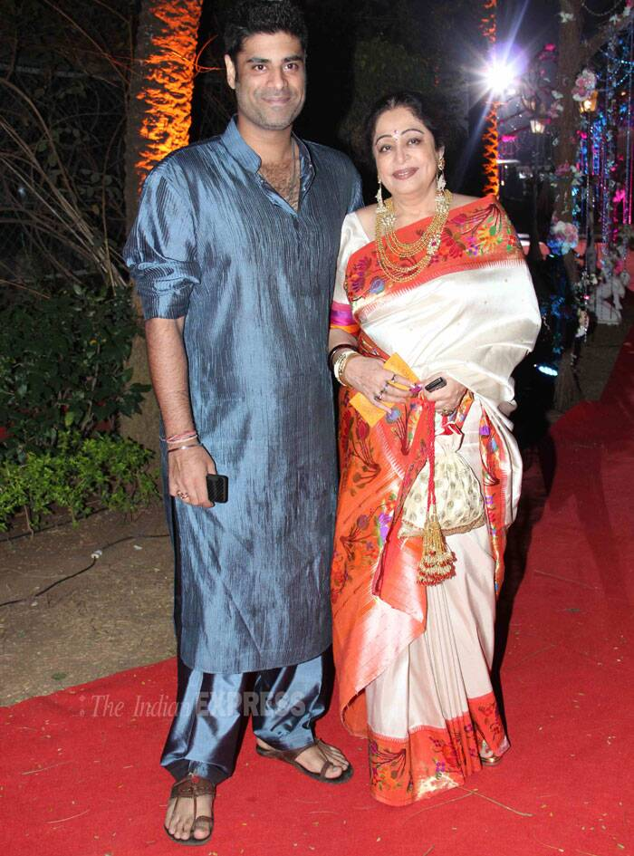 Actress Kirron Kher was all dressed up in a cream sari with a printed orange border. She came with her son Siaknder Kher. (Photo: Varinder Chawla)