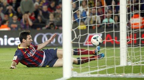 Barcelona, chasing a fifth La Liga title in six years, totally outclassed Madrid-based Rayo (Reuters)