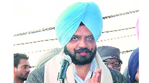 The candidate of AAP, H S Phoolka, started his election campaign from Ludhiana through the jhadu yatra Sunday.