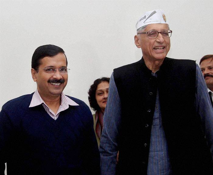 The Aam Aadmi Party (AAP) got a shot in the arm when Rajmohan Gandhi, grandson of Mahatma Gandhi, joined the party today. (PTI)
