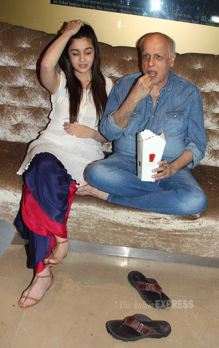 Father daughter bond over pop corn! (Photo: Varinder Chawla)