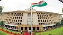 Chaos reigns as Mantralaya is mobbed for 2nd day inrow