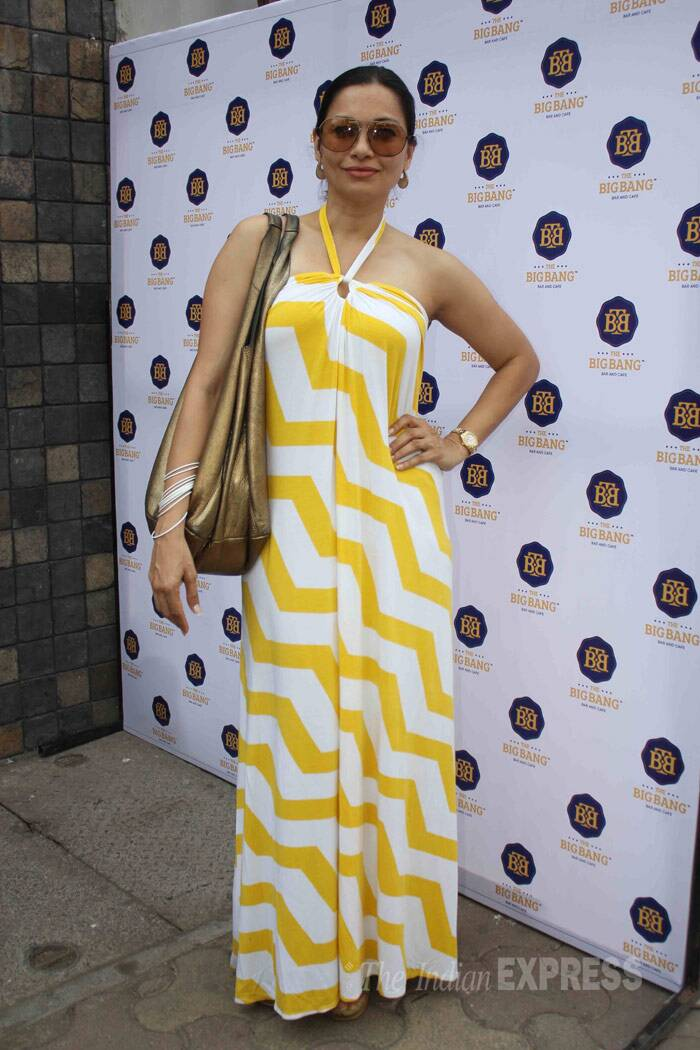 Former VJ Maria Goretti was eye-catching in a yellow and white halter maxi. (Photo: Varinder Chawla)