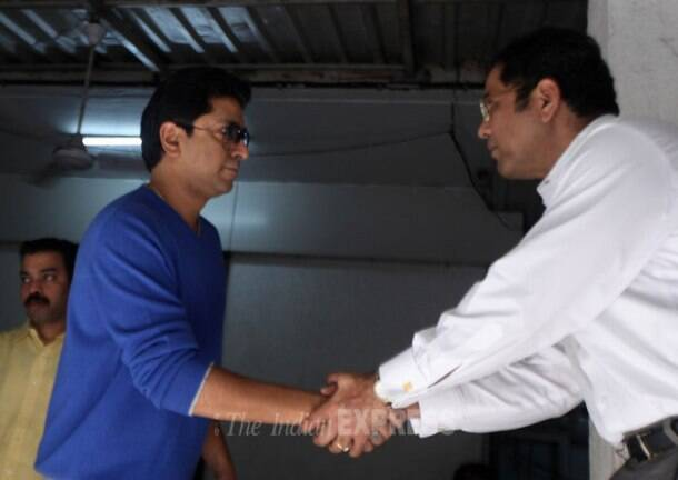 Day before MNS rasta roko on toll, Raj Thackeray gets police notice