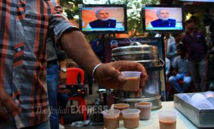 'Chai wala' Modi sips tea, attacks Congress on video conference