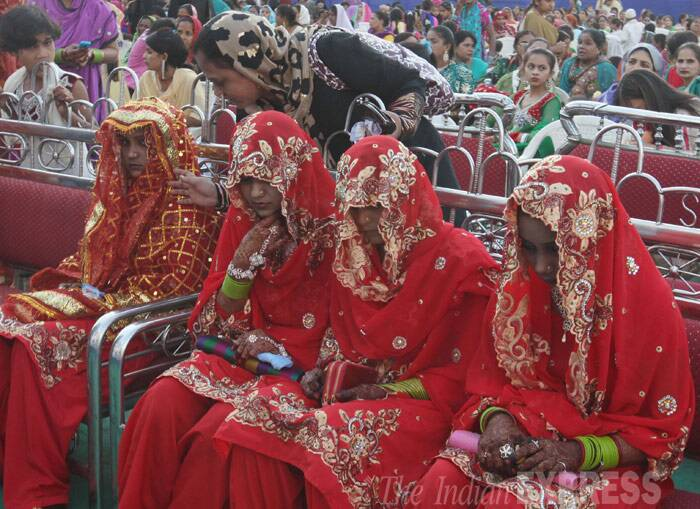 Twenty-nine Muslim couple will start their new life as they got married in a mass marriage held at Y.M.CA ground, Mumbai Sunday (February 9). (IE Photo: Dilip Kagda)