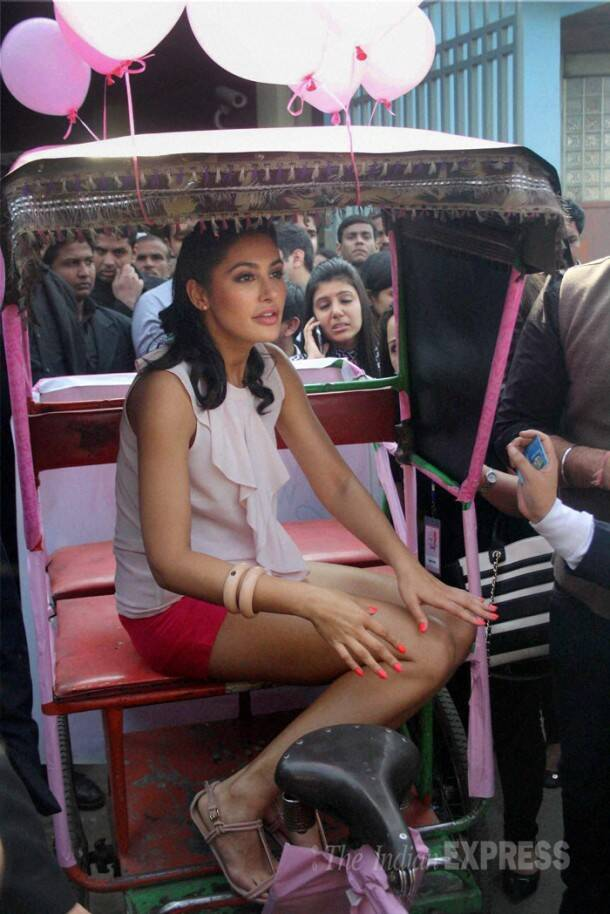 Nargis Fakhri goes pink ahead of Valentine's Day