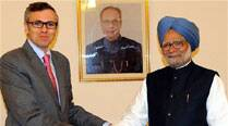 Pathribal encounter: Omar Abdullah meets PM Manmohan Singh, questions Army's decision to close case