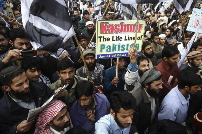 Supporters of Pakistani religious party Jamaat-ud-Dawa attend a rally to mark the Kashmir Day in Lahore. (AP)