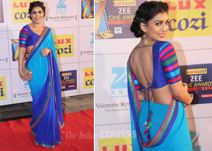 'Besharam' actress Pallavi Sharda and her sexy back! The actress opted for a bright blue sari with a back choli. (Photo: Varinder Chawla)