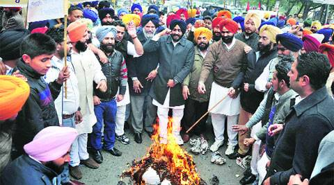 YAD members burn Rahul Gandhi's effigy on Friday.