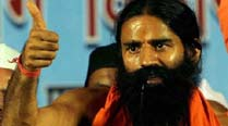 Ramdev attacks Sonia, Rahul on foreign originissue