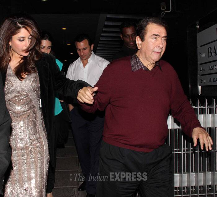 Pretty actress daughter helps dad Randhir Kapoor climb down the steep stairs. (Photo: Varinder Chawla)