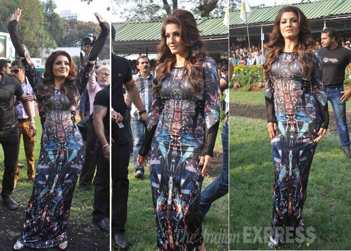 Also pictured was none other than Akshay's former flame actress Raveena Tandon, who showed off her figure in a printed tight-fit maxi. Raveena (Photo: Varinder Chawla)
