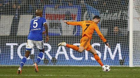 Ronaldo scored two goals, in the 52nd and 57th minute, as Real Madrid won 6-1 in the first leg of their Champions League round of 16 match at Schalke (Reuters)