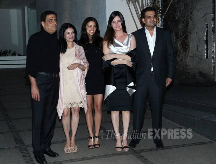 UTV's Ronnie Screwvala came with his family. Seen here with wife Zarina and daughter Trishya as they pose for a group picture with Simone and her husband Ajay Arora. (Photo: Varinder Chawla)