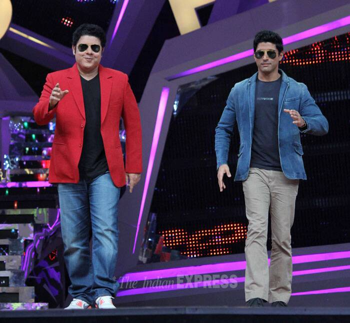 Judge on the show, director Sajid Khan and Farhan entertain the audience with their robot moves. (Photo: Varinder Chawla