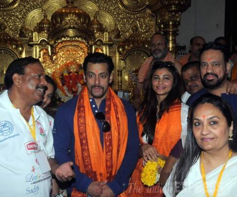 Salman Khan prays at Siddhivinayak temple after 'Jai Ho' collects Rs 100cr