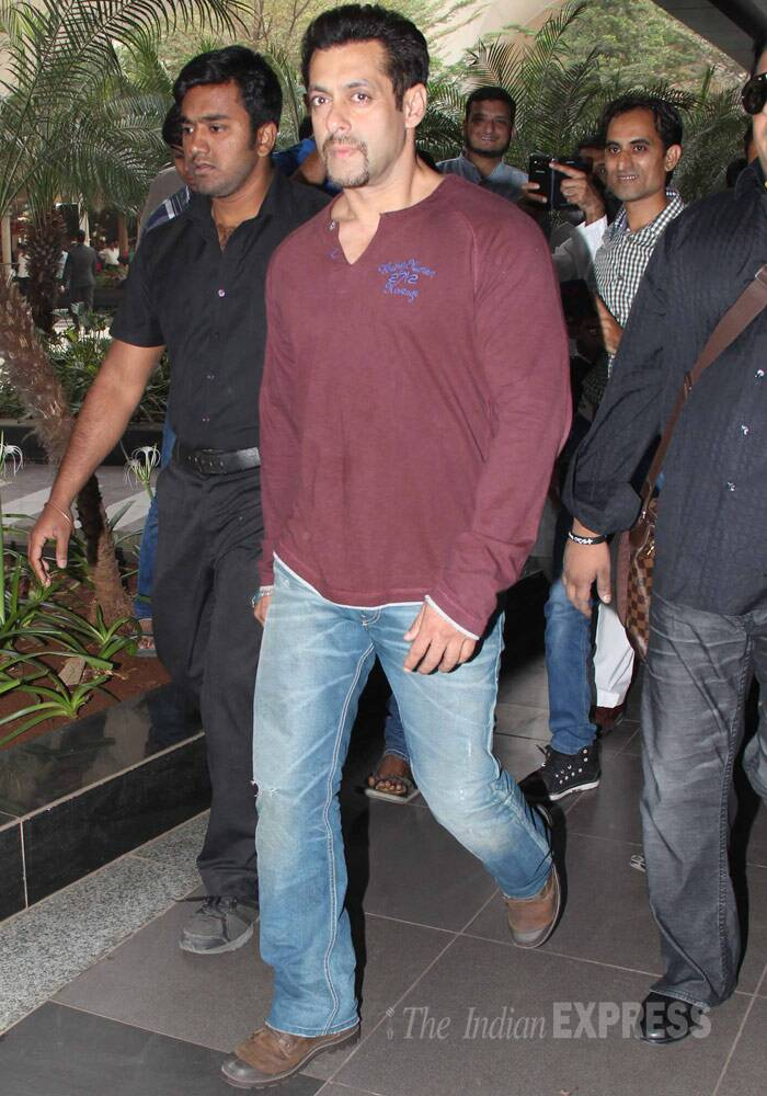 Salman Khan looked his usual cool self in a long sleeved tee shirt and jeans as he arrived the airport. (Photo: Varinder Chawla)