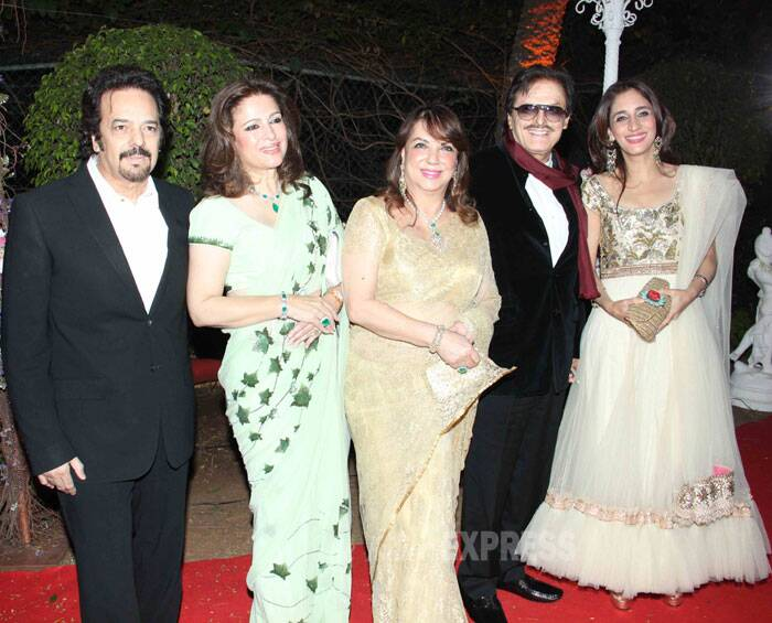 Actor Sanjay Khan arrived with his wife Zarine and daughter Farah Khan Ali. (Photo: Varinder Chawla)