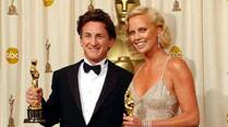 sean-penn-charlize-theron-thumb