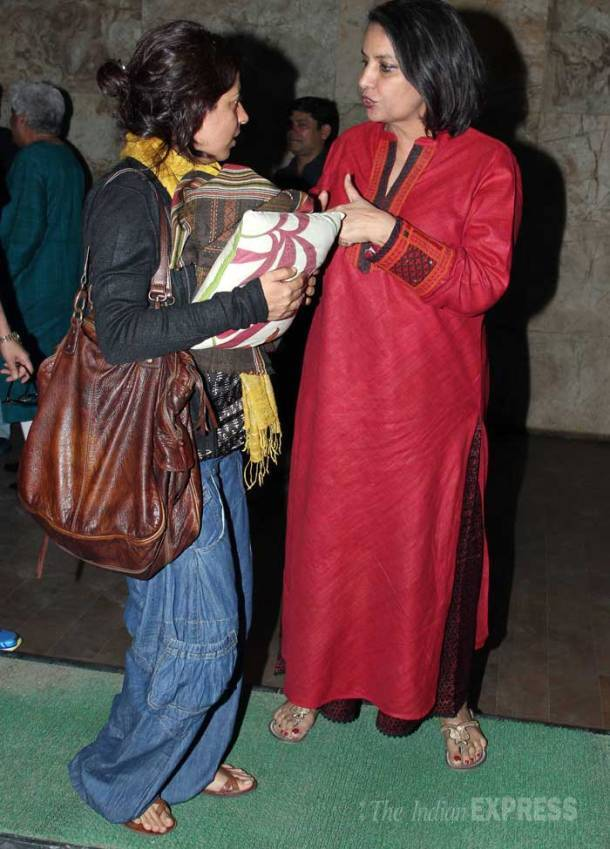Farhan's movie date with father Javed Akhtar and sister Zoya