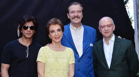 Fox, accompanied by his wife Martha, and current Mexican Ambassador to India Jamie Nualart, met with Shah Rukh Khan on the sets of 'Happy New Year'.