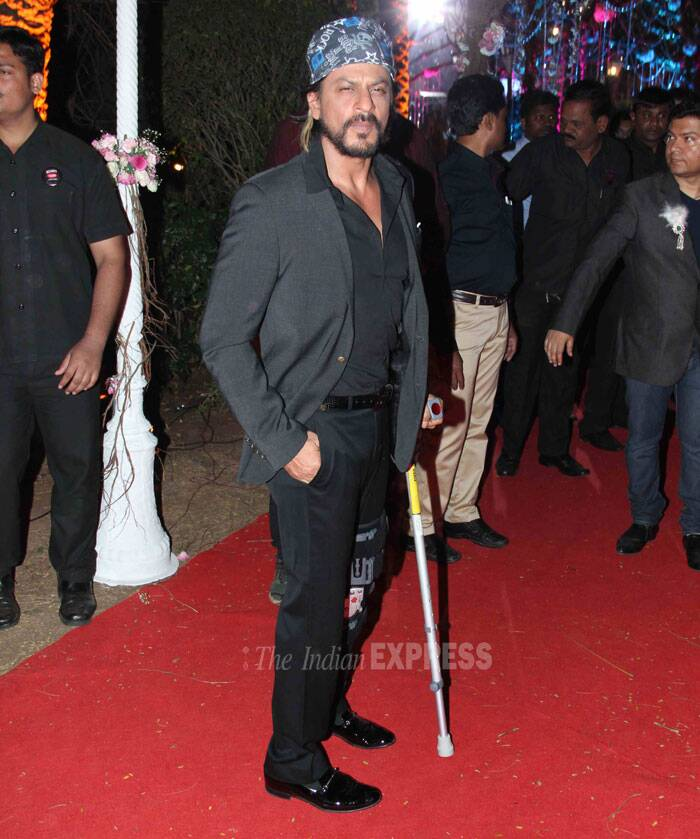 Bollywood superstar Shah Rukh Khan looked supercool, more on the likes of Captain Jack Sparrow as he made an appearance in an all-black avatar with a blue bandana. (Photo: Varinder Chawla)