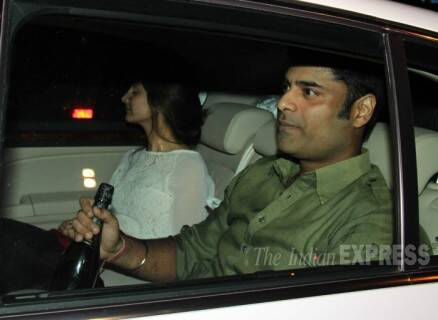 Aishwarya, SRK, Gauri at Abhishek Bachchan's birthday bash