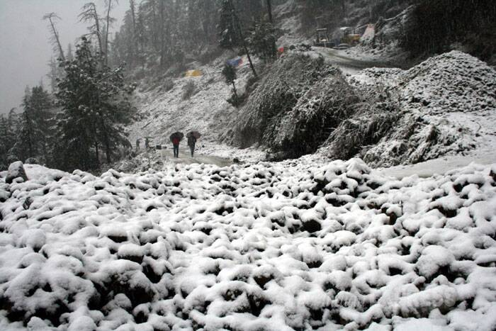"This was the season's significant snowfall that froze the ""Queen of Hills"", as Shimla was fondly called by the British. (IE Photo: Lalit Kumar)"