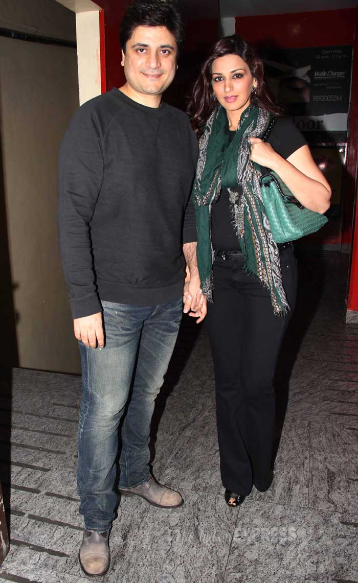 Bollywood actress Sonali Bendre was spotted with her husband and producer Goldie Behl, at the special screening of Oscar nominated film Dallas Buyers Club in Mumbai on Wednesday (February 26). (Photo: Varinder Chawla)