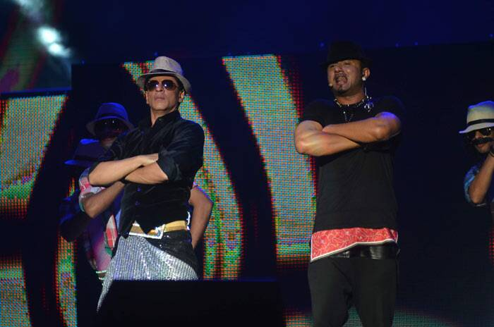 Rapper Yo Yo Honey Sing also joined King Khan on stage.