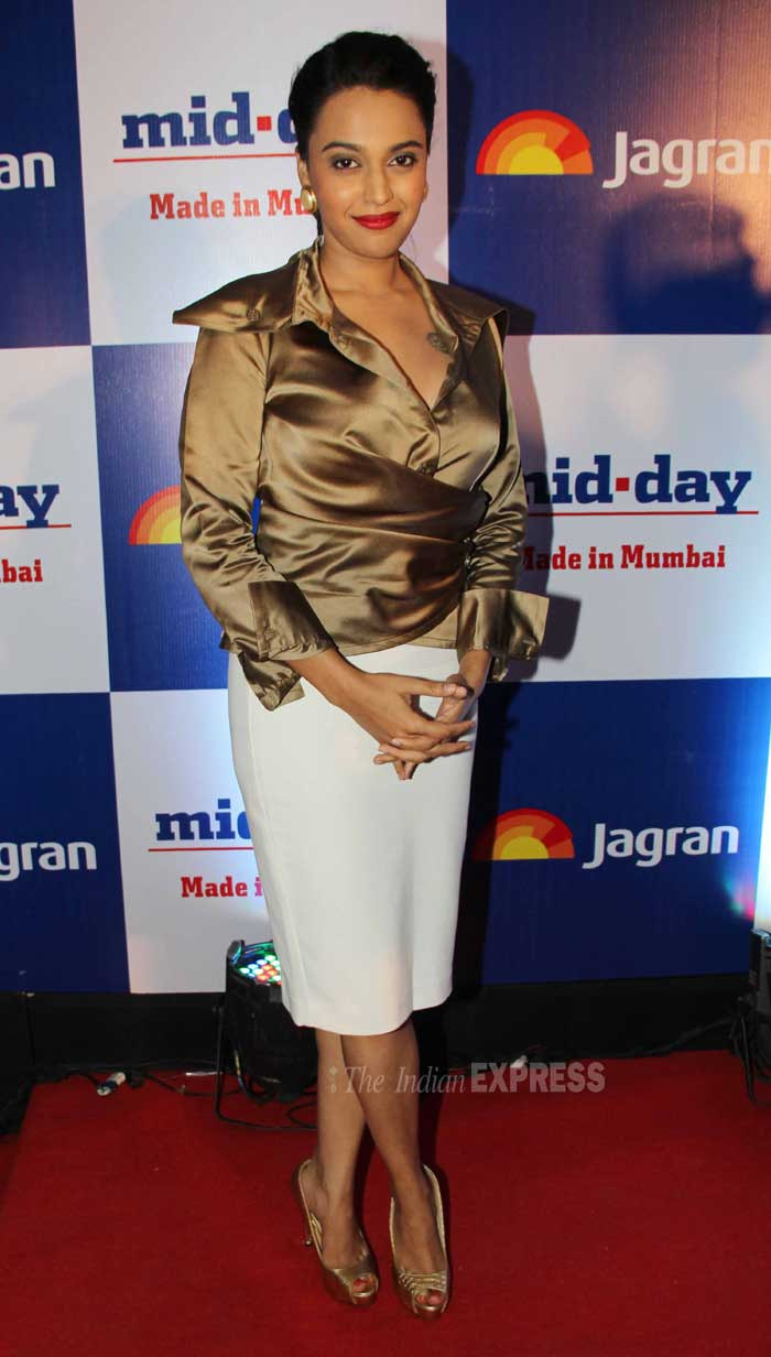 'Raanjhnaa' actress Swara Bhaskar failed to impress in her golden silk top and white skirt. (Photo: Varinder Chawla)
