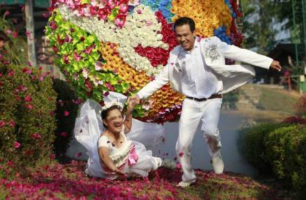 Thailand hit by wedding blues on the eve of Valentine's Day