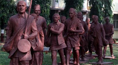 dandi march in tamil Please like and subscribe video from sony pictures i have used this video for school work.