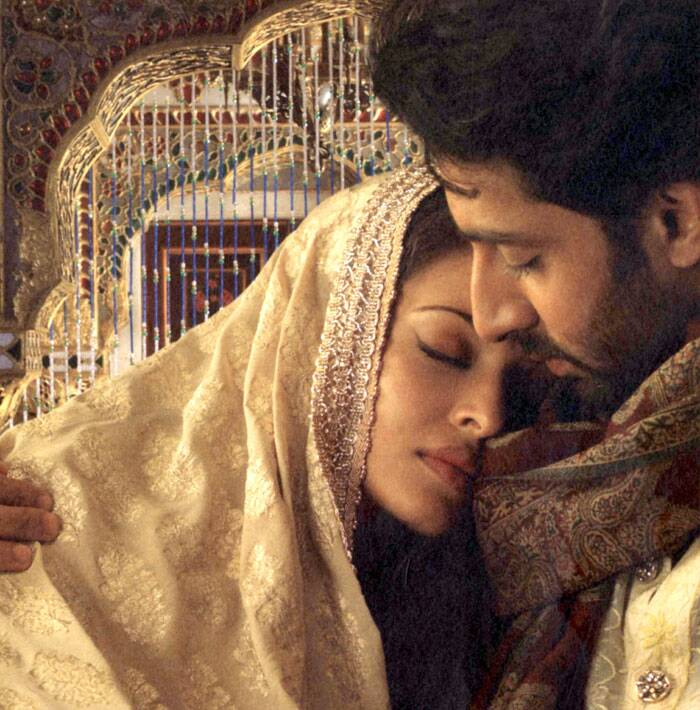 His second film that year was J. P. Dutta's 'Umrao Jaan', opposite his future wife Aishwarya Rai. But the film faired poorly. The film was a remake of Rekha and Farooq Sheikh's Umrao Jaan directed by Muzaffar Ali.