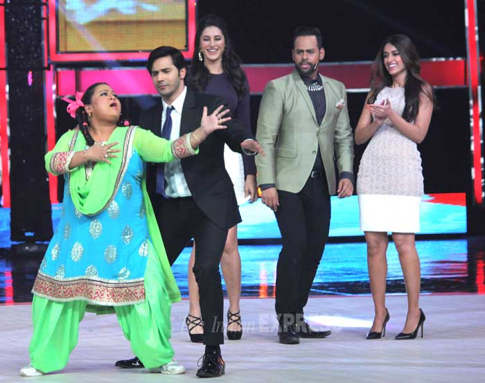 Talk about flirting and comedian Bharti is not far behind. Bharti amuses Varun with her antics. (Photo: Varinder Chawla)