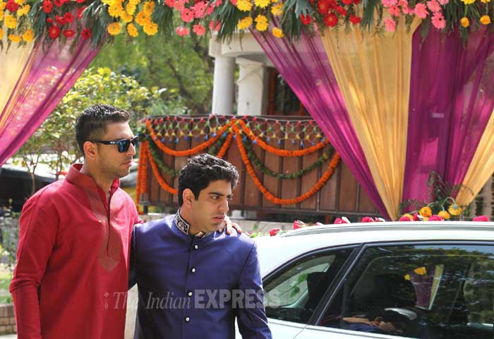 Yuvraj singh brother zorawar singh wedding gift