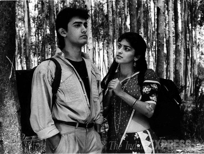 <b>Qayamat Sey Qayamat Tak (1988)</b>: At a young age of 23, Aamir Khan made his B-town debut in 'Qayamat Se Qayamat Tak', playing the iconic chocolate boy opposite Juhi Chawla. The chemistry between the two was simply crackling and the whole nation was smitten. His role as Raj earned him a Filmfare Best Debut Award. And the song 'Papa Kehey Hain Bada Naam Karega' is still etched in our minds.