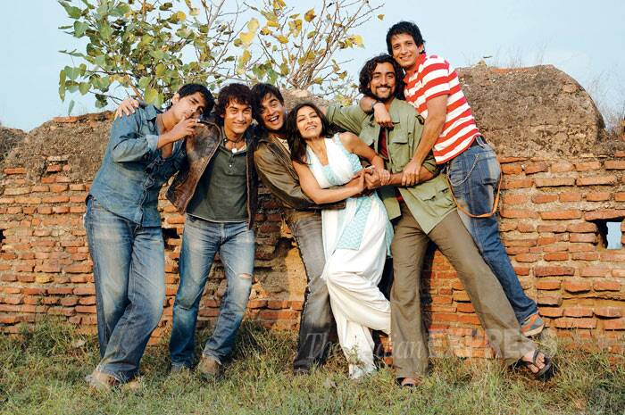<b>Rang De Basanti (2006)</b>: Said to be one of the most important films of his career, Aamir Khan broke away from the stereotypical A-lister roles with his performance of Daljeet in the Rakeysh Omprakash Mehra directed film. <br /><br /> Having a patriotic background, 'Rang De Basanti' was highly acclaimed for inspiring the youth and creating an awareness amongst them. It received an overwhelming response and was chosen as India's official entry for the 79th Academy Awards. <br /><br /> Aamir Khan received the Filmfare Critics Award for Best Actor as well as the Screen Award for Best Actor.