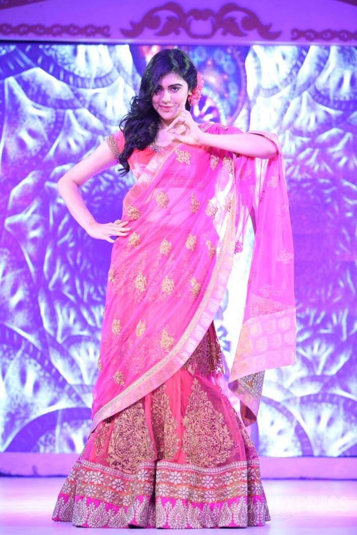 Adah Sharma of '1920' fame walked the ramp at the award show in a pink lehenga. (Photo: Varinder Chawla)