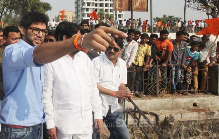 Aditya Thackeray inspects the site. (IE Photo: Deepak Joshi)